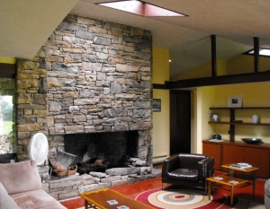 157_Blum_House_Living_Room_640x499